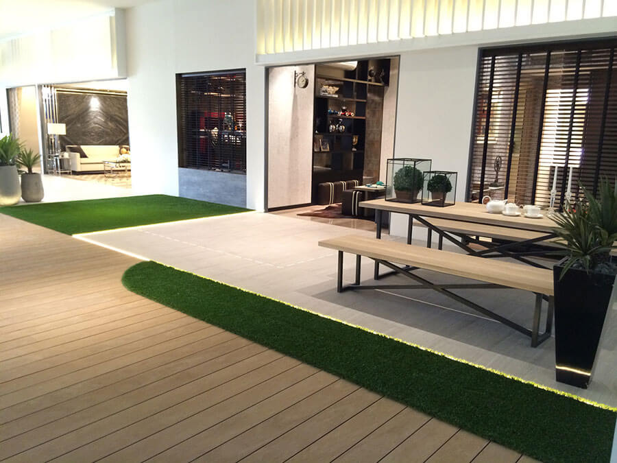 Artificial grass indoors for green carpet and decorative for Artificial grass indoor decoration