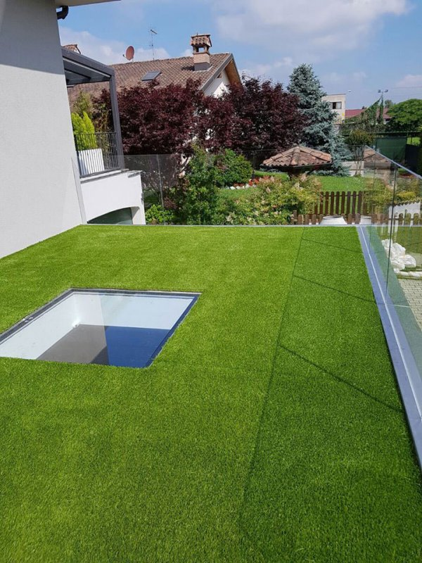 synthetic turf for a roof garden