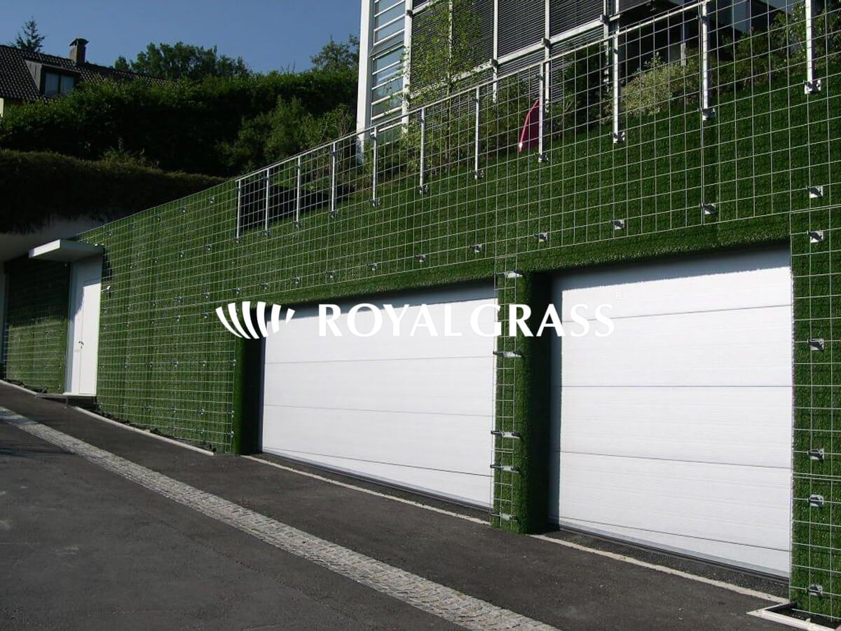 how to fix artificial grass on wall