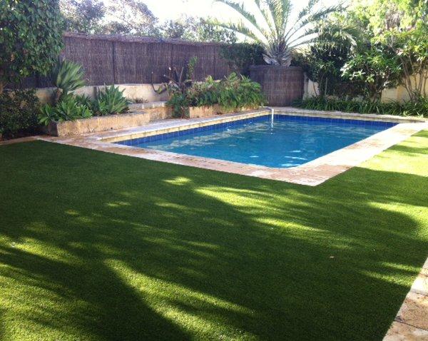Artificial grass swimmingpool